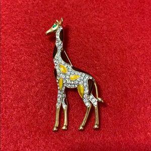 Jewelry - Giraffe Brooch